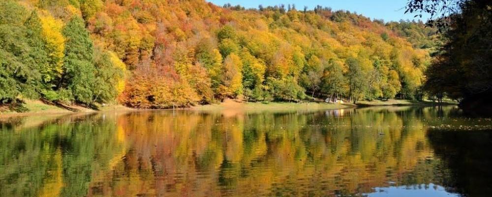 طبیعت پاییزی دریاچه چورت
