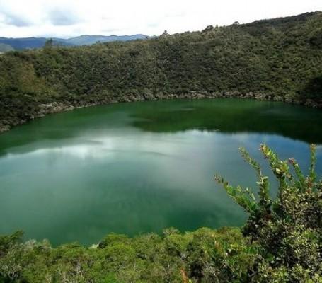 نمای کامل دریاچه چورت
