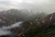 قله های کوهستان در مسیر میدان میشان
