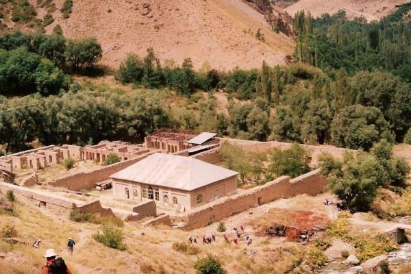 بقایای کاخ ناصری